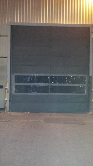 Fotoselli Açılır Kapanır Branda Fabrika Kapısı